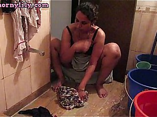 Indian With Big Tits Taking Bath